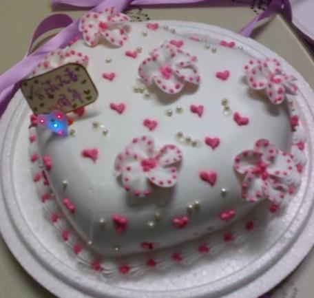 婚前准备 结婚细节  结婚周年蛋糕是结婚纪念日上必不可少的一部分,它图片